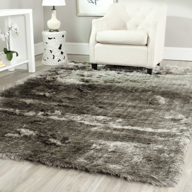 Hand-Tufted/Hand-Hooked Silver Area Rug